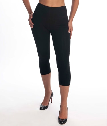 Lyssé: Medium Control Capri Leggings Plus Size