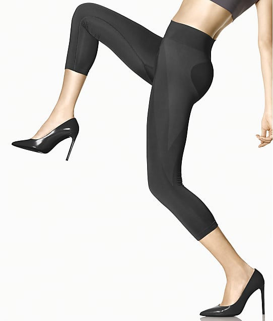 HUE: Seamless Shaping Capri Leggings