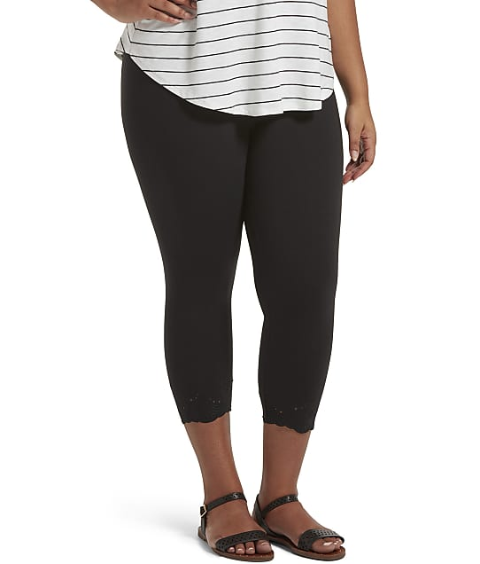HUE: Plus Size Play Embroidered Eyelet Capri Leggings