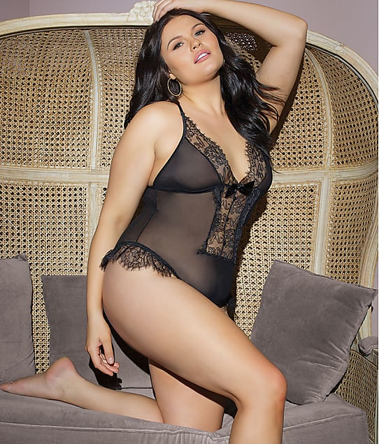 Coquette: Plus Size Crotchless Lace Teddy