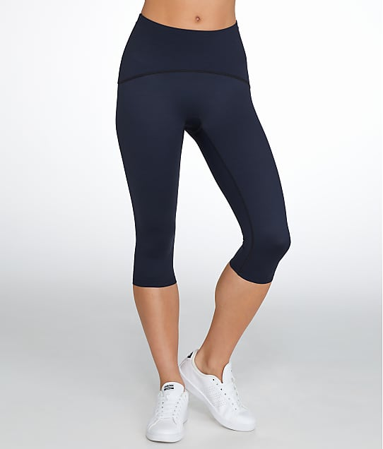 SPANX: Smoothing Capri Leggings