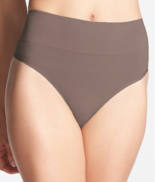 Yummie: Liliana Comfortably Curved Shaping Thong