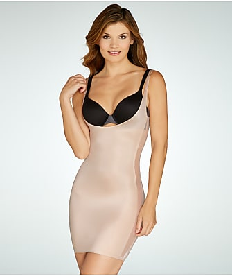 RED HOT SPANX Luxe & Lean Scalloped Open-Bust Full Slip
