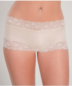 Knock out! Lacy Boyshort
